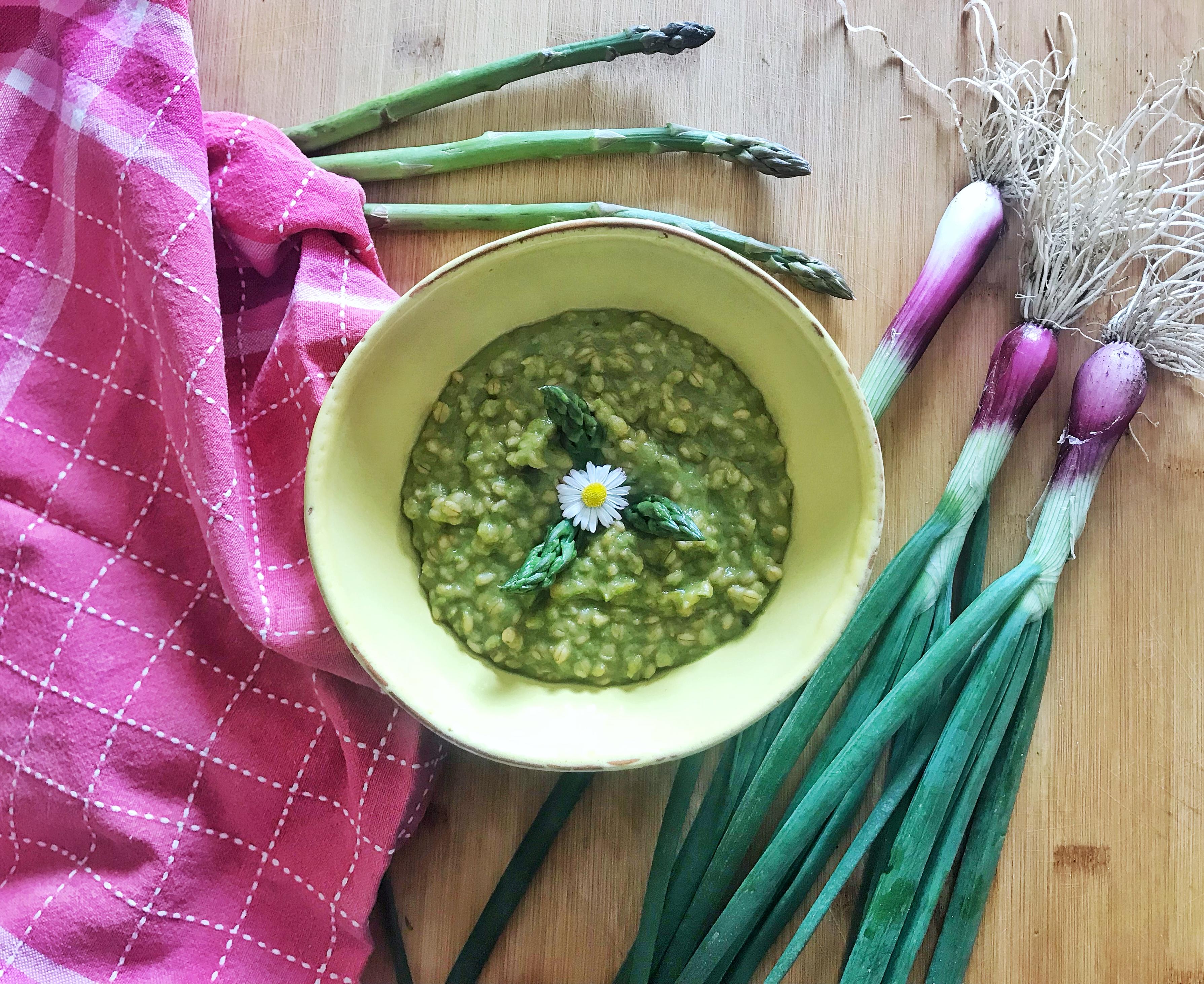 Orzo cipollotto fresco e asparagi